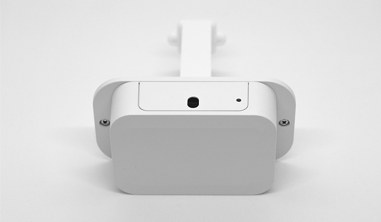 Wireless people flow sensor with monuting bracket