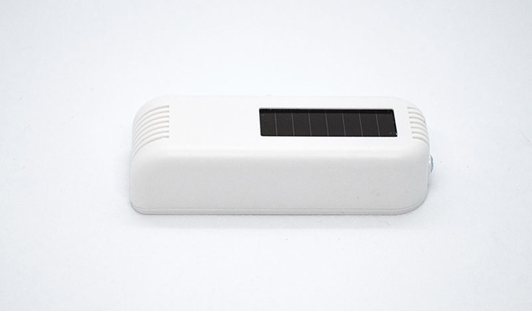Wireless dry contact sensor side view