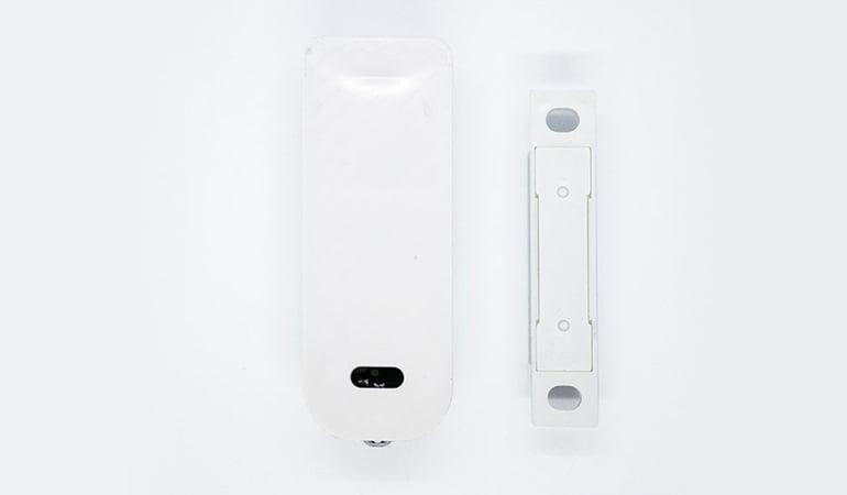 Wireless door & window sensor bottom view