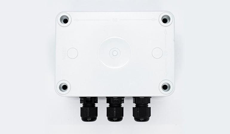 Wireless industrial temperature sensor bottom view