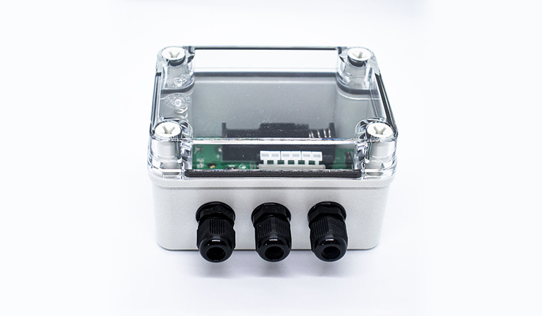 Wireless industrial temperature sensor front view