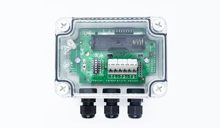 Wireless industrial temperature sensor top view