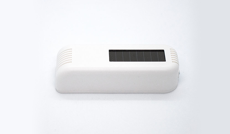 Wireless temperature sensor side view